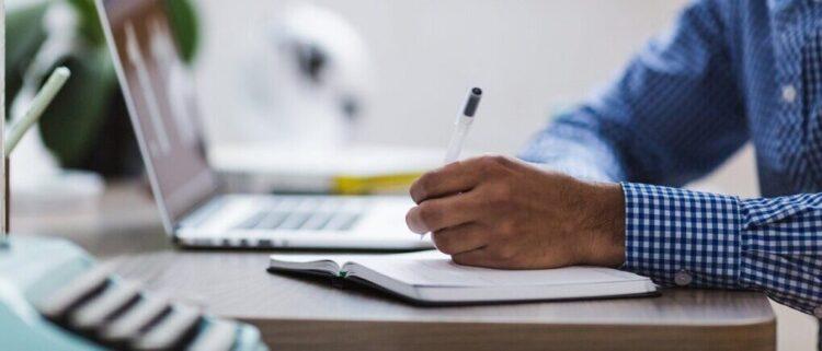 未経験者が就職前に取得しておきたい介護資格